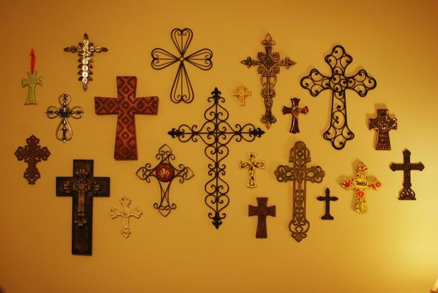 Cross Gallery Wall Pin from Pinterest