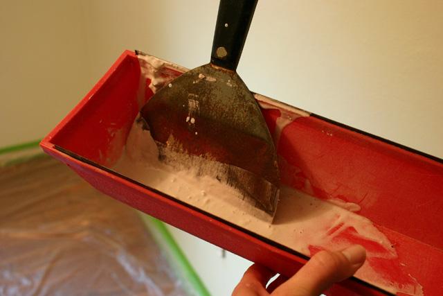 Hot Mud Mixed in Drywall Mud Tray