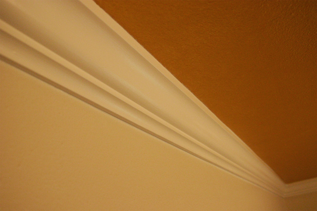 How To Hang Crown Molding On Plaster Walls Checking In